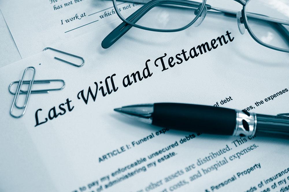 testament, jak przygotować testament, kto może znaleźć się w testamencie, czy można podważyć testament